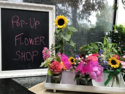 fleurs-to-you-popup-flower-shop